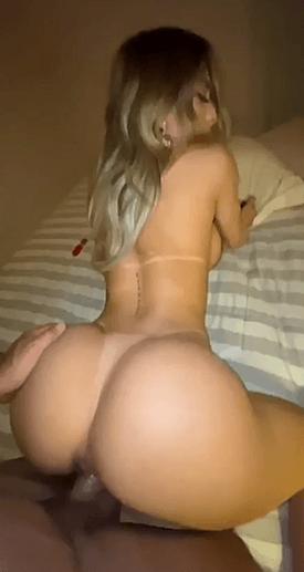 nude-blonde-sexe.png